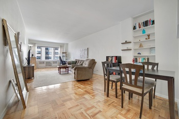 Beautiful Large One Bedroom, Murray Hill