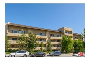 Beautiful Two Bedroom Condo In The Highly Sough Out Club Ca